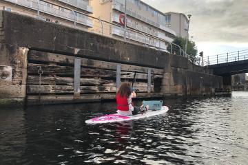 Plastic Paddle - Albert Dock
