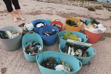 Litter collected from the Albert Dock